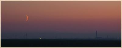 фотосъемка после заката. красивое фото с луной