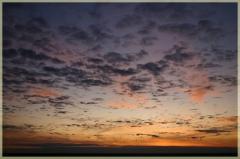 Фотографии закатов. Облака на закате. Перистые облака в закатном свете
