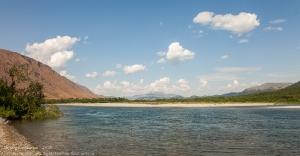 Как выглядит Заполярье летом. Горный пейзаж с рекой