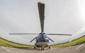 Вертолет на стоянке. Фото