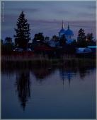 Деревенский пейзаж с церковью. Ночные фотографии
