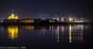 Собор Александра Невского и портовые краны на Стрелке