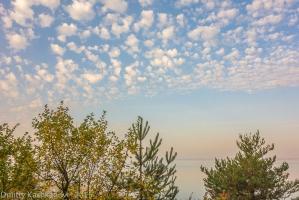 Утро на берегу Горьковского моря. Красивые облака