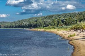 Берег реки Оки в районе города Горбатова. Хороший песчаный пляж