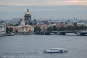Исаакиевский собор и Дворцовый мост. Фото