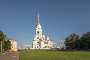 Успенский собор. Вид издали. Фото Владимира
