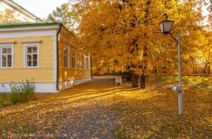 Болдинская осень. Фото у господского дома